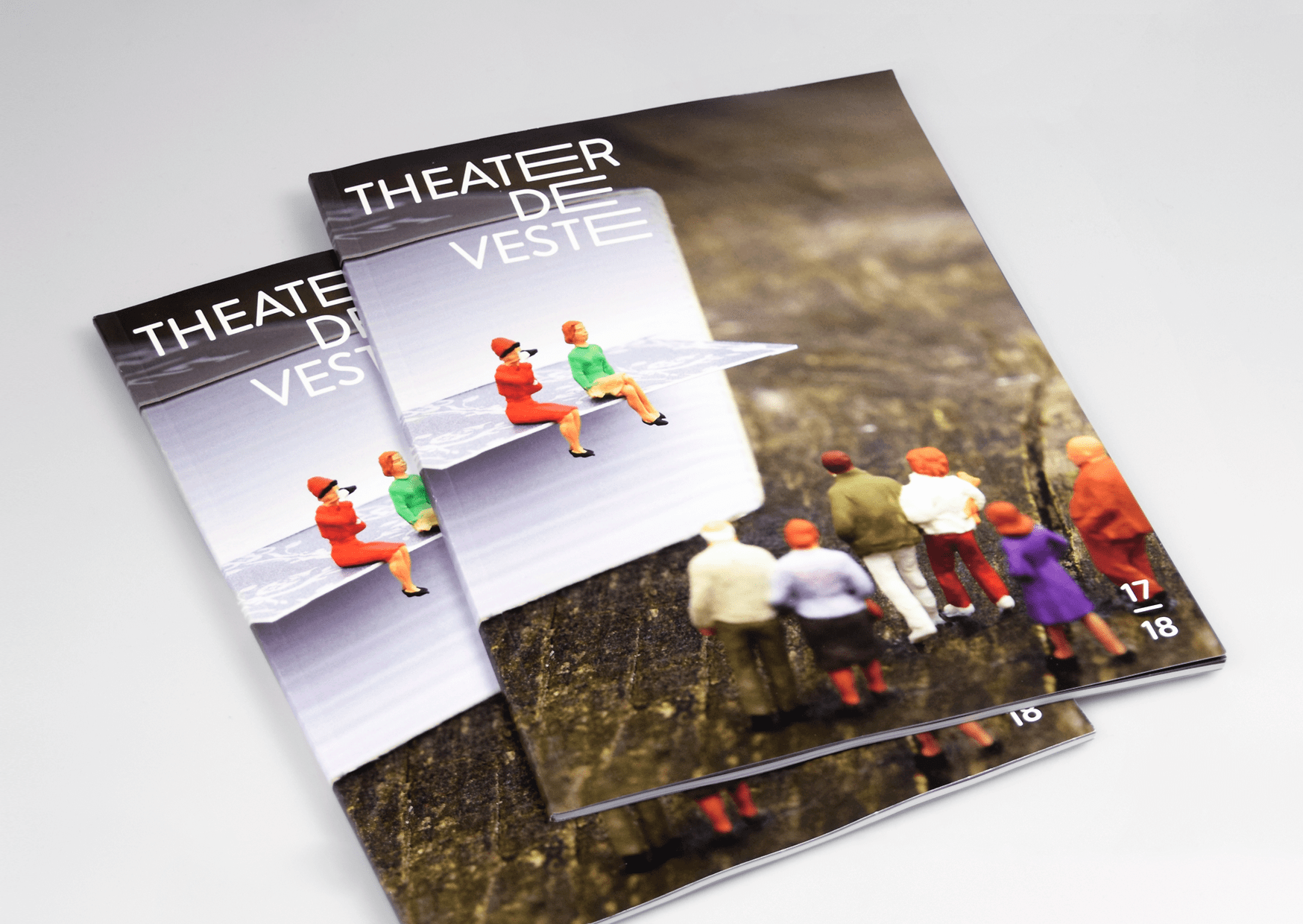 Theater de Veste, Studio Enkelvoud, Grafisch ontwerp, Brochure, Fotografie, Miniatuur