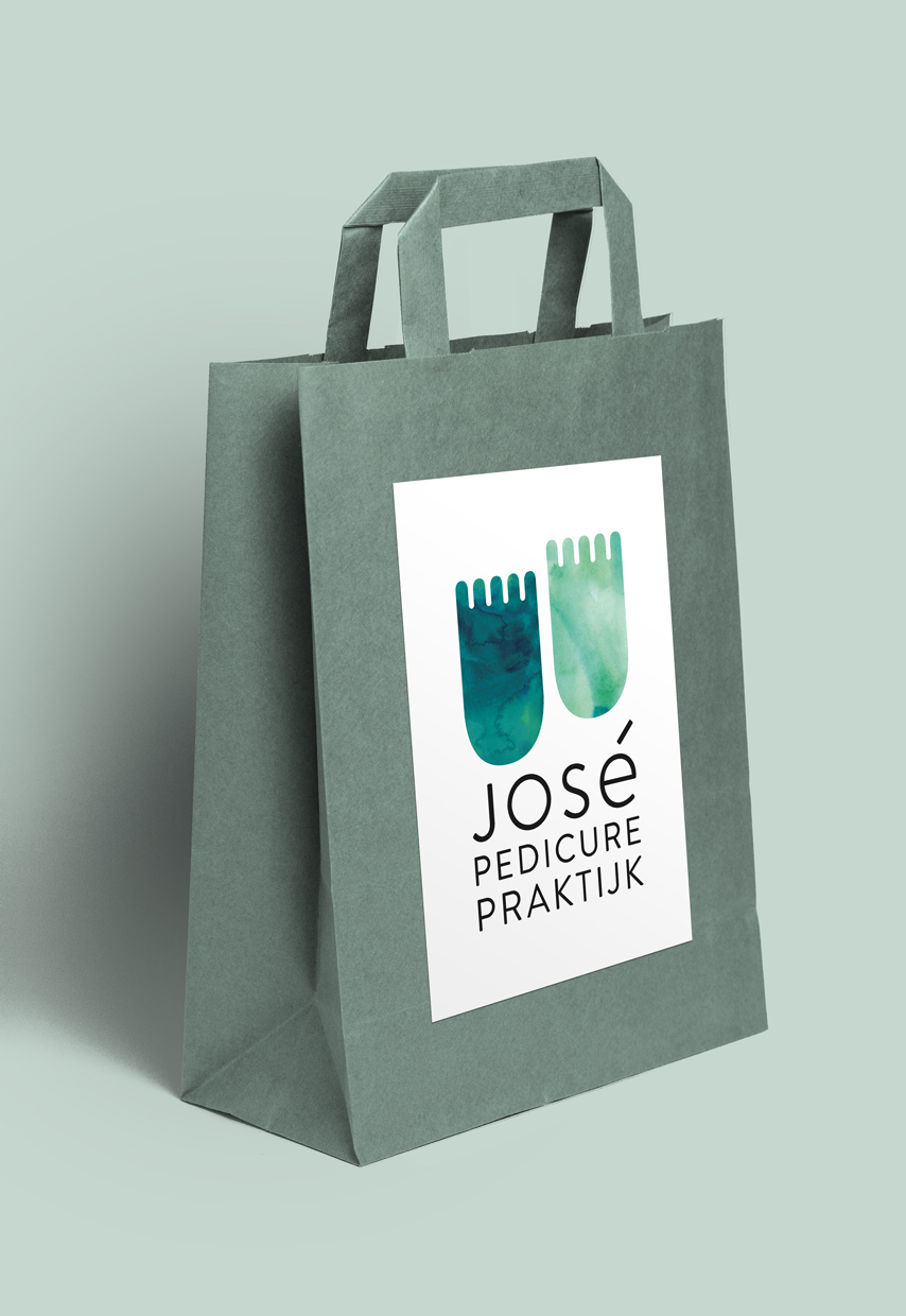 José Pedicurepraktijk, Studio Enkelvoud, stickers, pedicure, bag, round, voetjes, feet, aquarel, logo, copy, funny, identity, paper, portfolio, grafisch ontwerp, huisstijl, graphic design, concept, art direction
