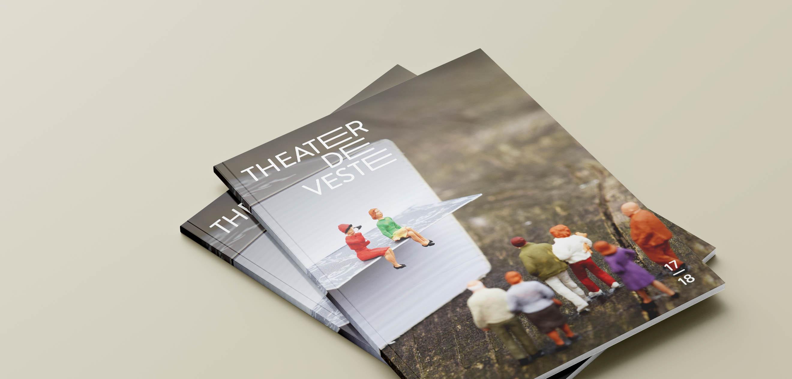 Theater de Veste, Seizoen 17|18, Studio Enkelvoud, seizoensbrochure, toneel, campagnebeeld, grafisch ontwerp, fotografie, miniatuur, miniature